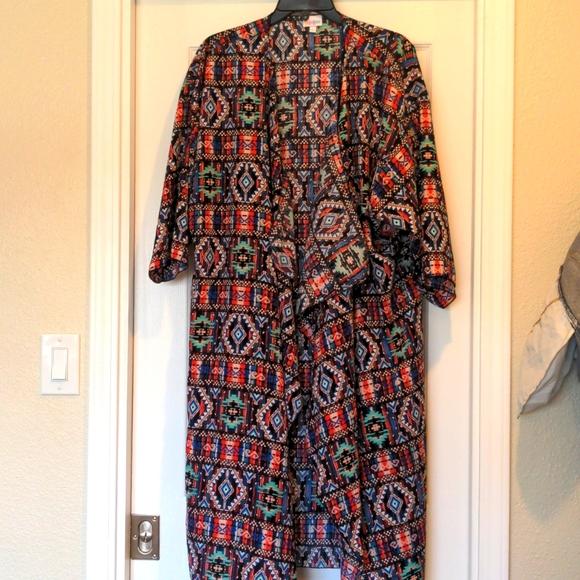 Women's size L LuLaRoe Shirley kimono